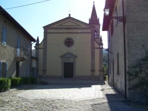 Vesale Chiesa e sagrato - foto Alessandro Zagaglia
