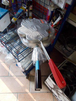 Tigelliere in vendita nei negozi di ferramenta